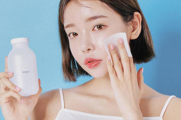 các bước skincare cho da dầu mụn nhạy cảm