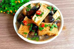 món ăn chay từ nấm rơm